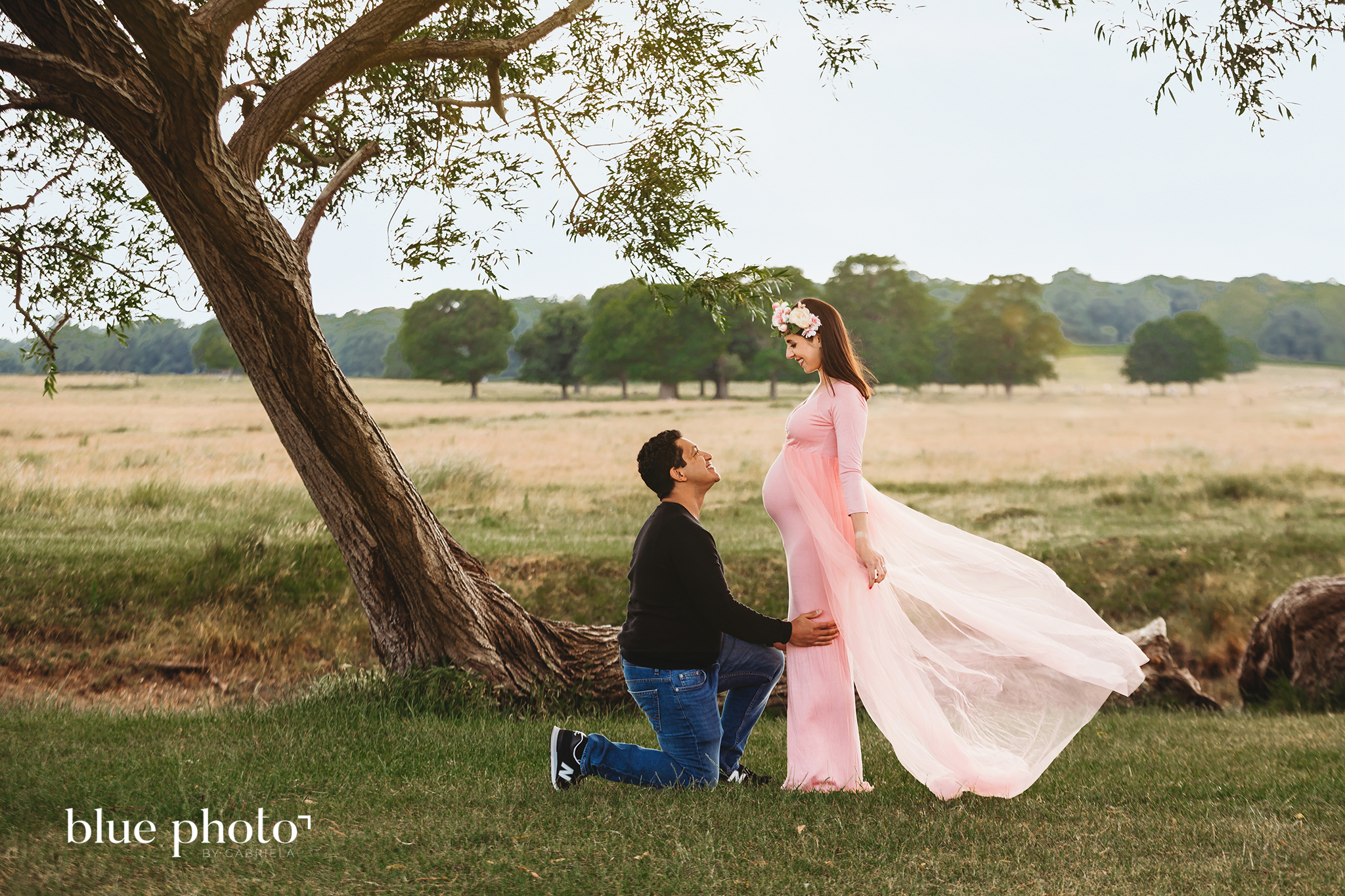 Joanna and Roree, maternity session in Richmond Park, London