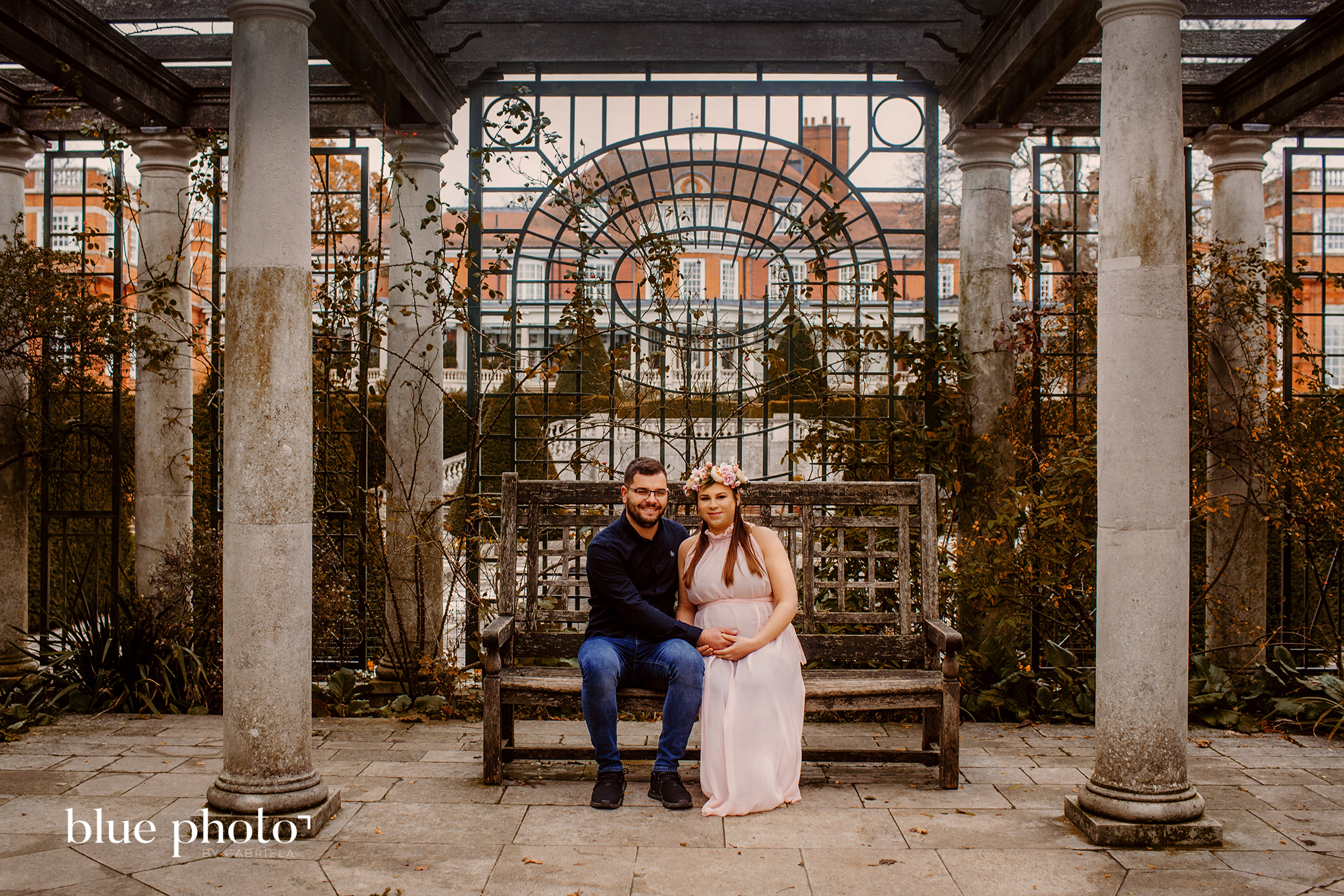 Justyna and Rafal, maternity session in North London, Hill Garden and Pergola.