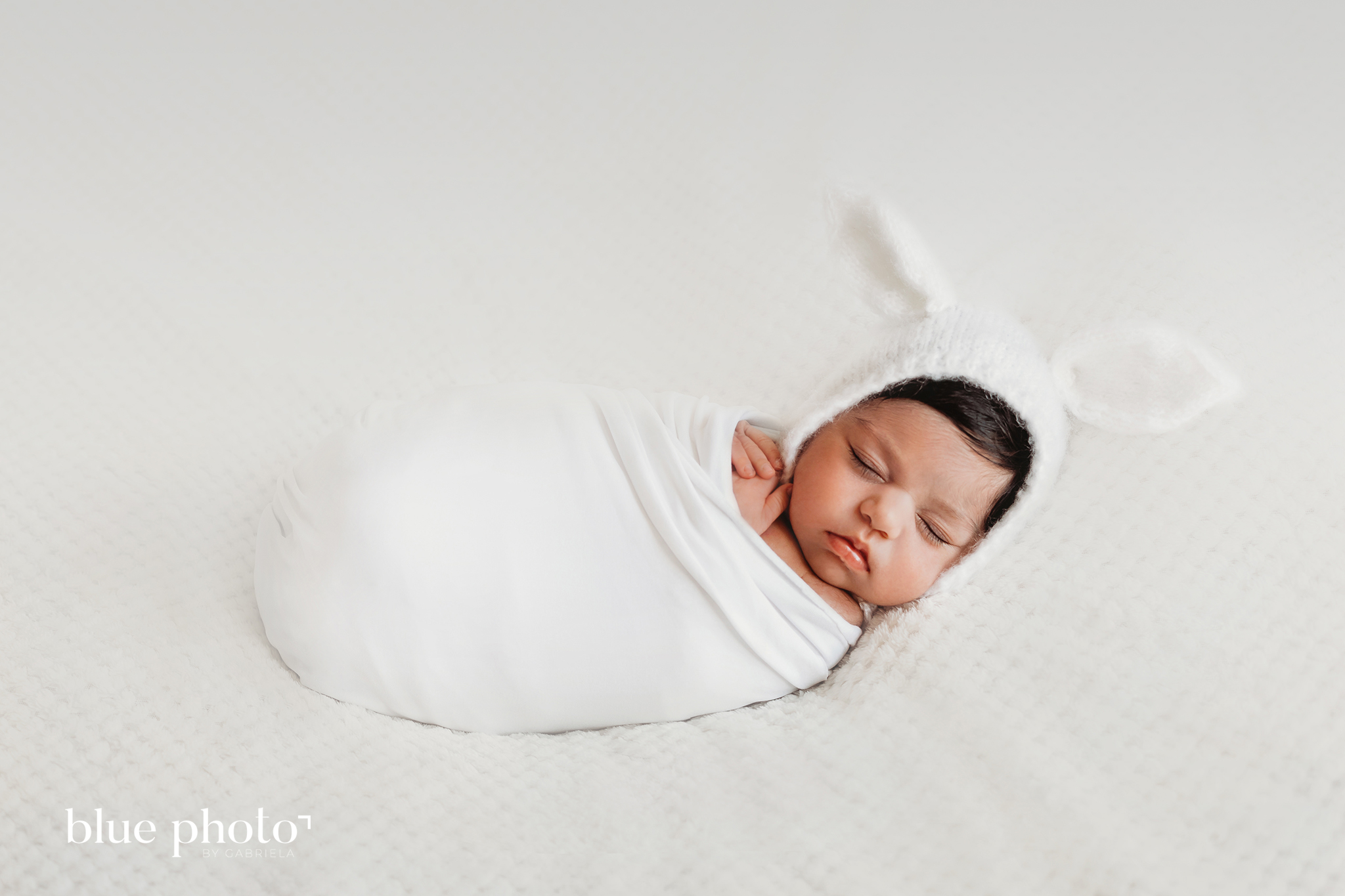 Sophia - lifestyle newborn photography in North London