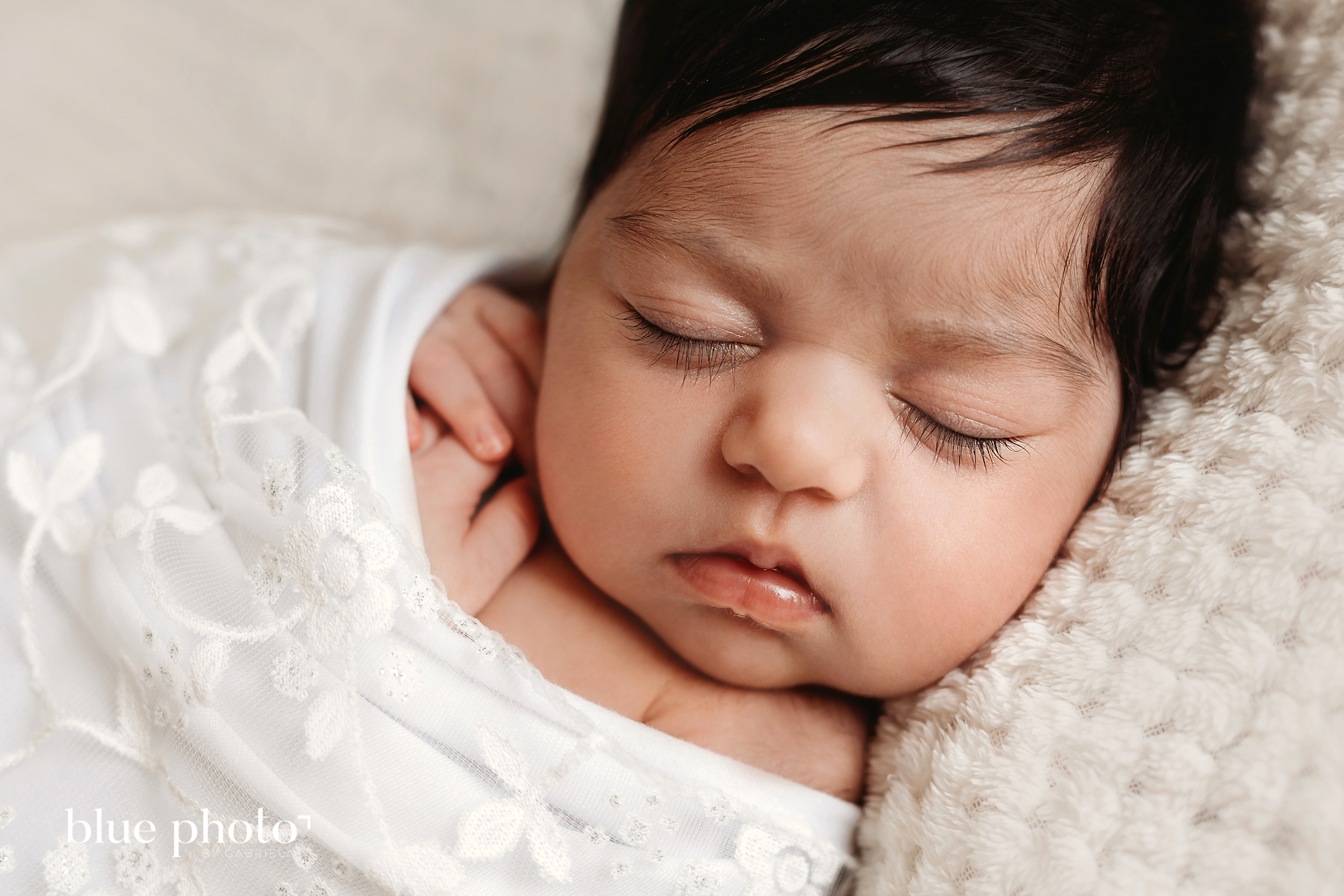 Sophia - lifestyle newborn photography in North London