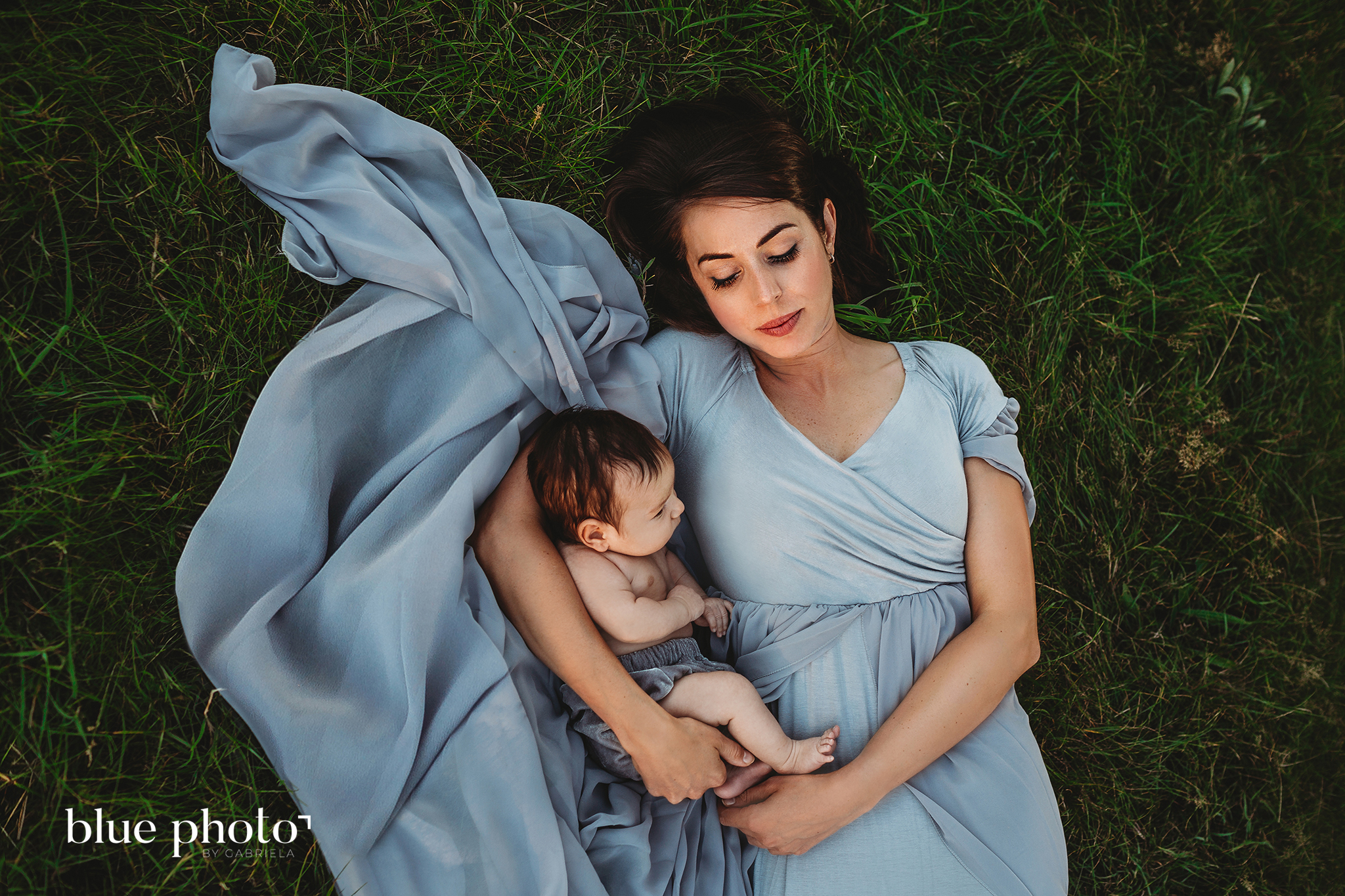 Outdoor newborn photography in West London